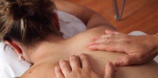 Akupressur hilft gegen Verspannungen